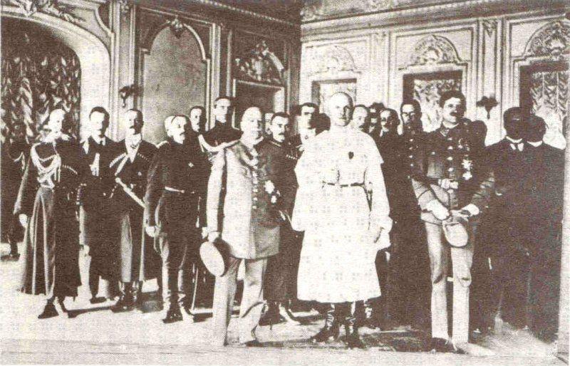 Pavlo Skoropadskyi.  Russia without Bolsheviks