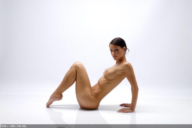 Melisa Jeune Brune Totalement Nue Fait Son Yoga Pour Femjoy Camwhoresbay 1