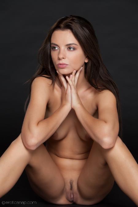 EroticSnap: Anastasia - Tiny Dancer
