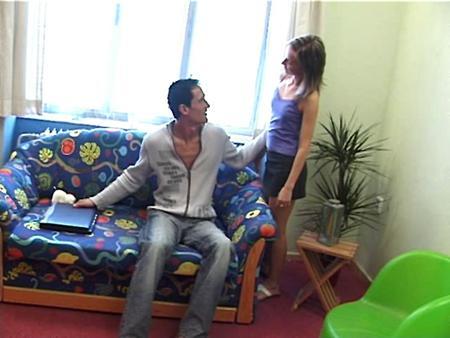 Русская телочка удачно зашла в гости к своему парню