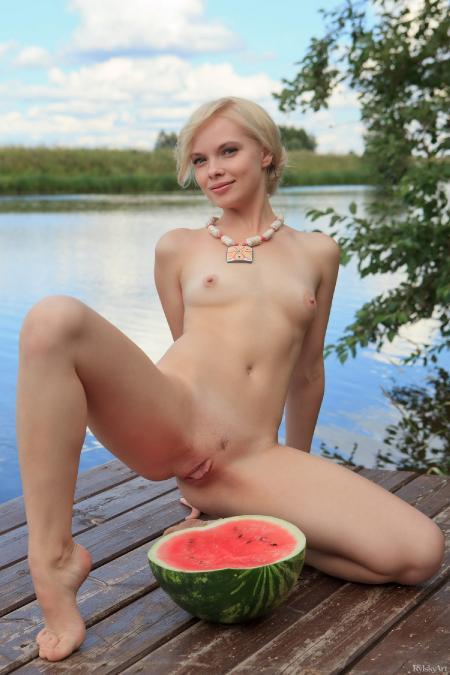 RylskyArt: Feeona - Watermelon