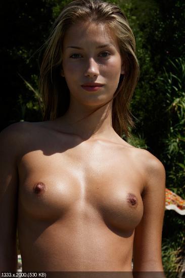 Фото молодые девушки с маленькой грудью