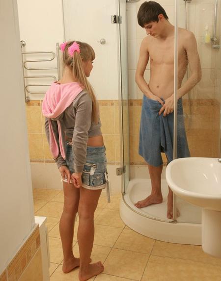 Помог девочке утолить её жажду секса