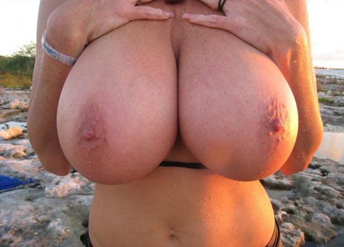 Большие сиськи и вагины фото. Незнакомец тут ниже ты можешь посмотреть нес