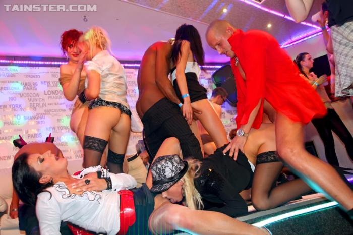 порно в украинских клубах
